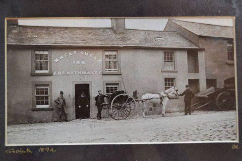 Horse and cart outside the Wellington Inn